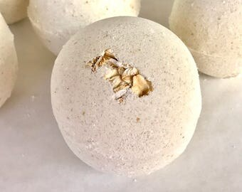 Oatmeal and Milk Bath Bomb