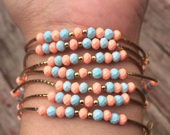 Bubble gum color bracelets with gold plated charms - Semanario color chicle con dijes de chapa de oro