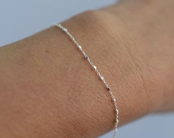 Silver Satellite chain bracelet, Sterling Silver chain bracelet, Dainty bracelet, Delicate bracelet, Layering bracelet, Minimalist bracelet
