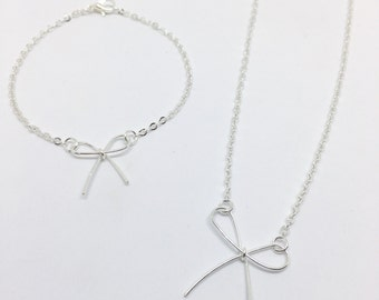 Darling Bow Bracelet - Available in Gold or Silver Plated