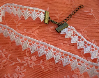 Lace Choker Guipure Venise Lace Trim in White, summer boho gothic necklace 15mm wide
