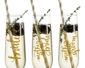 Bridal Party Champagne Glasses - Maid of Honor Gift - Bridesmaid Gift - Personalized Wedding Champagne Flutes - Custom Bridal Wine Glass