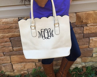 Personalized Monogrammed White Faux leather scalloped bag, scalloped tote, scalloped purse, Mothers Day Gift