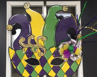 Mardi Gras Door Hanger, Mardi Gras Wreath, Mardi Gras Decoration, Carnival Season Decor, Jesters Hat, Masquerade Mask, Jesters Mask