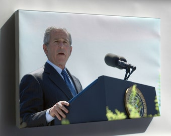 Canvas 16x24; George W. Bush Speaks At Coast Guard Commencement