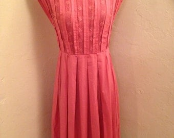 Fifties L'Aiglon Dauphine pink cotton pleated dress size medium
