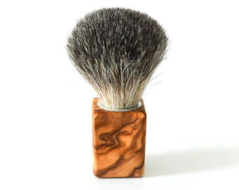 "Badger hair shaving brush with olive wood handle ""Cubus"""