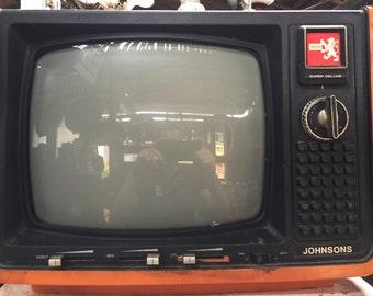 Awesome Big VINTAGE TV /// Retro Tv Set /// Vintage Television Set /// 1970s Tv /// Space Age Tv /// Cool Mod Tv