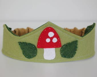 Toadstool Felt Crown, Waldorf Wool Crown, Waldorf Birthday Crown, Dress-up, Costume