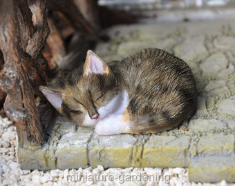 Sleeping Cat for Miniature Garden, Fairy Garden