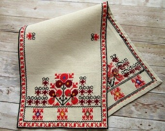 Linen Table Runner, Hand embroidered table runner, Small linen table cloth, Traditional Bulgarian embroidery, Ethnic Home Décor, Wall décor,