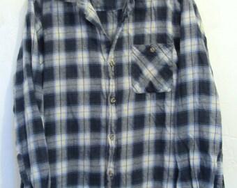 Men's,THIN Vintage 90's,Navy Blue PLAID Flannel Shirt.L