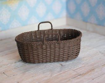 Dollhouse Moses basket in dark brown