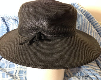 Woman's Black Raffia Wide Brim Hat VINTAGE