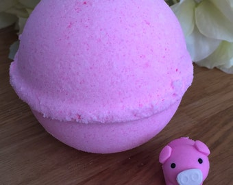 Bedtime Stories- 3 little pigs Bath Bomb - 8.5 oz