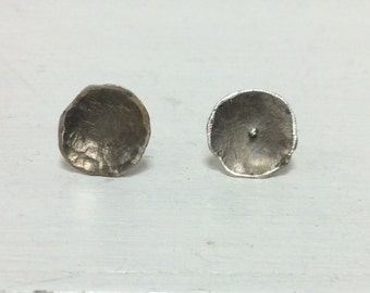 Circle silver studs.Hammered silver earrings.Curved silver studs.Silver earrings.Hammered studs.Patina silver earrings.Gifts for her. Studs