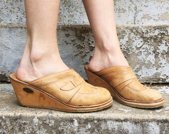 MOVING SALE Vintage 70s Candie's Tan Leather Stitched Slip On Wedge Heel Clogs 8