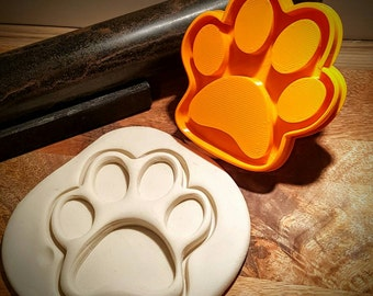 Large paw print cookie cutter