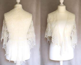 Off white hand knit bridal shawl. Wedding shawl in lace. Triangle shawl handknit in soft australian wool.