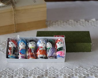 Vintage Minjianniren figurines - 1970s - Set 6 colorful Chinese miniature Painted Clay -  MINJIANNIREN
