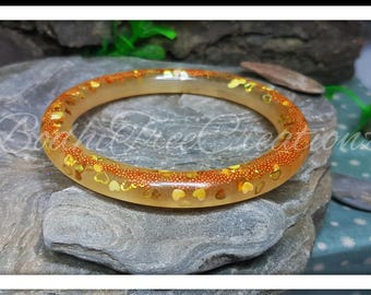 Resin bangle with Golden Hearts