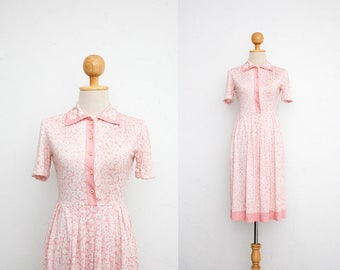 XS Vintage 70s Dress | Japanese Vintage Dress | Pastel Pink x White Floral Dress | Collared Shirt Dress |  Spring Sweet Flower Power Dress