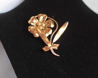 Vintage Goldtone Flower Pin