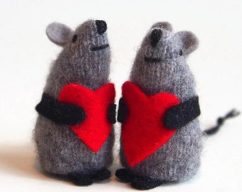 heart plush, toy mouse, valentine mouse,  stuffed animal,kids valentine, valentine gift, wool mouse,  love mouse, heart mouse, valentine toy