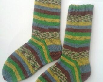 Camouflage striped socks, self striping pattern. Handknit camo socks.