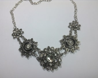 New & Wow!!! TRIPLE SNAP NECKLACE..3 Amazing Snaps are included...