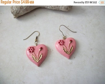 ON SALE Vintage 1960s Folk Art Hand Painted Wooden Heart Earrings 102516