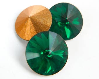 Vintage Swarovski Rivoli crystal rhinestones, art 1122, emerald green - 14 mm - 2 pcs - C28-3