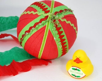 cool toys - cool gift idea - surprise ball - gifts under 20 - gifts for children - fun christmas gifts - treasure ball - gifts for teenagers