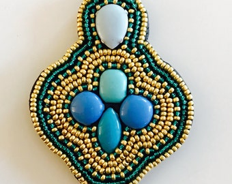 Fimo & pearls pendant