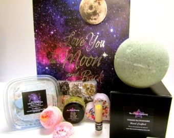 I love you to the moon and back- deluxe gift set