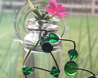 Tiny Window Vase by Zentilly©