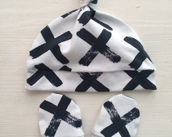 Baby set: baby organic knotted beanie, baby hat, baby mittens, baby mitts, black X