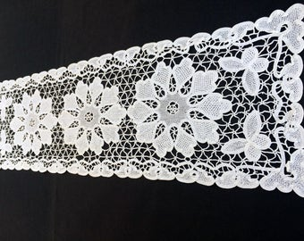 White Venetian Lace Table Runner. Vintage Table Runner. White Cotton Lace Table Runner. Antique Linen White Lace Table Runner RBT1574