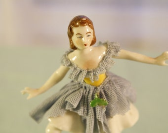 Muller & Co, Volkstedt Dresden Lace Figurine