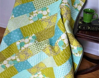 Throw Quilt-Lap Quilt-Modern Quilt-Mother's Day Gift-Quilted Blanket-2nd Anniversary Gift-Girl Quilt-Homemade Quilt-Green Mint Teal-Birthday