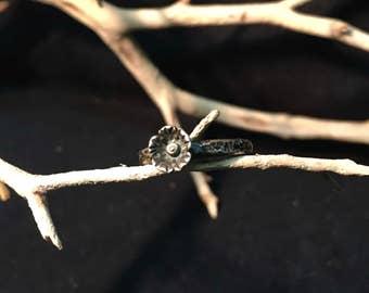 Vintage Navajo Sterling Silver Flower Ring    #136