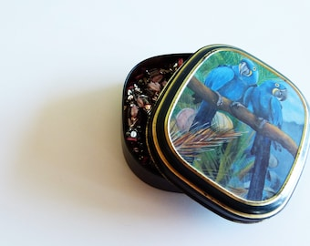 1 Vintage candy box '90 with parrots - candy box Bentley's of London - vintage candy box - vintage box - home decor - tin box
