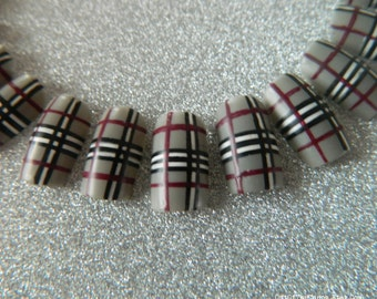 Matte Tartan False Nails.