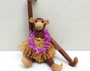 Zooline Style Articulated Teak Monkey With Sticker Made In Japan