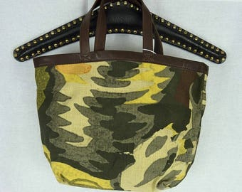 "LACOSTE bag - linen - printed ""camouflage"" - worn hand - State nine -."