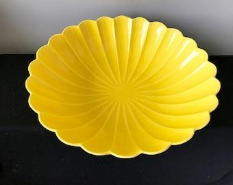Mid-Century Calif USA C607 Large Yellow Petal Bowl