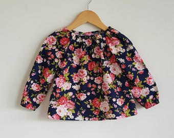 Girl blouse // vintage // floral // long sleeved // gift // occasion