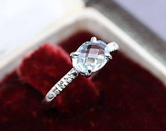 Beautiful ring in 18k white gold 750 aquamarine 1.03 cts diamonds 0.07 cts size 53