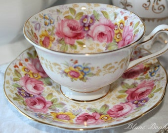 Royal Albert, Serena: Tea cup and saucer with beautiful colorful flowers