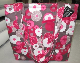 tote bag, travel bag, bag has lunch, bag groceries with small pocket before flowery pink with resistant cotton Brown background